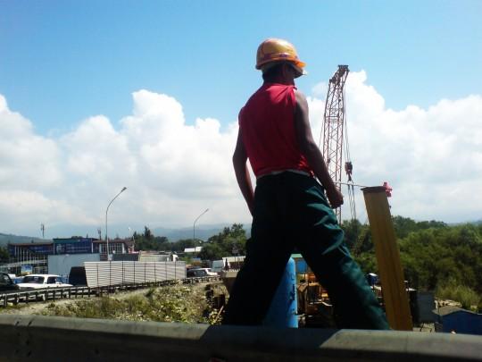 Олимпийский строитель взирает свысока