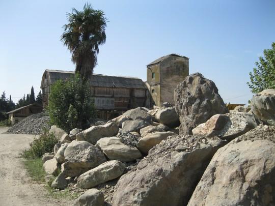 Руины птицефабрики