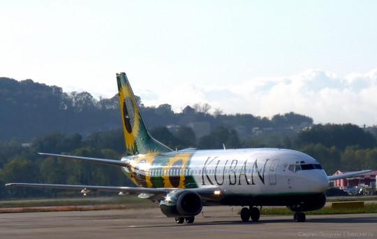 Боинг 737-539 Авиалинии Кубани